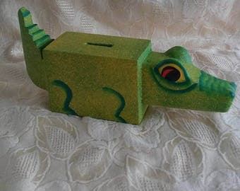 Vintage/Handmade/Alligator/Bank/Toy/Green/Wood/Indonesia