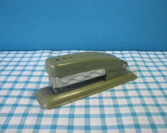 Swingline Cub Stapler - Avocado Green - Mid Century Desk Decor - Retro Office - Vintage 1960's