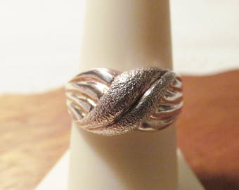 Brutalist Heavy Vintage Sterling Silver TEXTURED X Swirl Band Ring .925 Designer Signed UTC - Size 8 - Excellent Cond - Heavy Silver Nugget