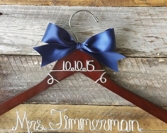 Personalized Custom Wire Wedding Hanger with Bow, Wire wedding hanger with bow, Bridal hanger, bridal party hanger, dress hanger
