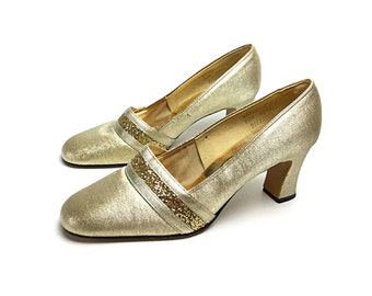 1960 shoes, gold shoes, 60s shoes, 1960s gold shoes, gold heels, gold pumps, women's shoe, gold vintage shoes, size 9