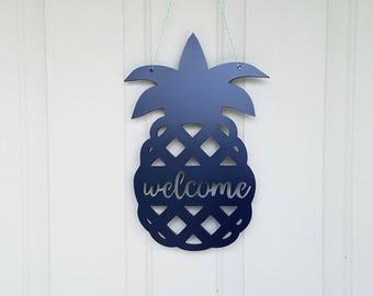 Pineapple Door Hanger // Pineapple Welcome Sign // Front Door Decor // Pineapple Decor