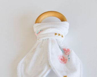 Natural Wood Teething Ring - White, Floral with Gold Triangles