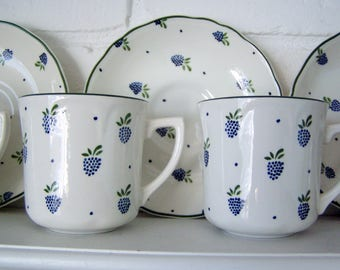 Set of Four Blackberry Pattern Tea Cups and Saucers, Johnson Brothers Ironstone, England, 1980's