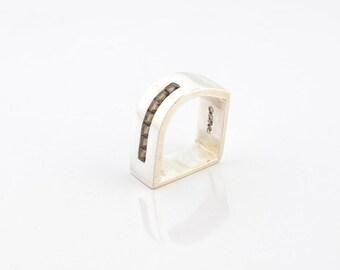 Silver Rail Ring with quartz fumee  / Anillo Riel