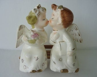 Commodore Japan Kissing Angel Figurines