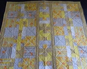 quilt for baby toddler boy girl 52X46 yellow white pastels quilted crib size