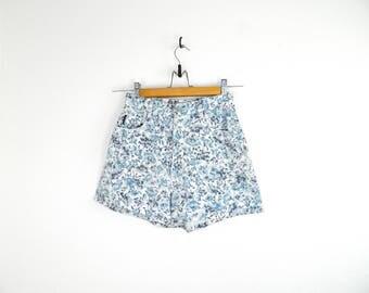 Vintage BONG FLORAL Shorts...