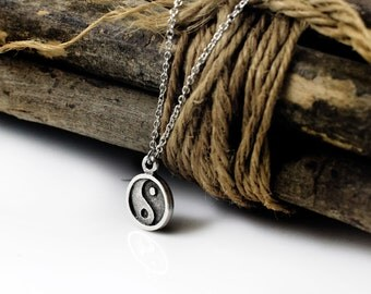 Yin Yang Necklace, Silver Tone Yin Yang Pendant Necklace, Yoga Spiritual Jewerly Yin Yang Charm Necklace