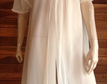 Vintage Lingerie 1960s VANITY FAIR Ivory Double Chiffon Size Medium Peignoir or Robe