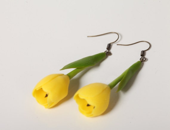 Accessories, handmade, earrings with tulips, yellow