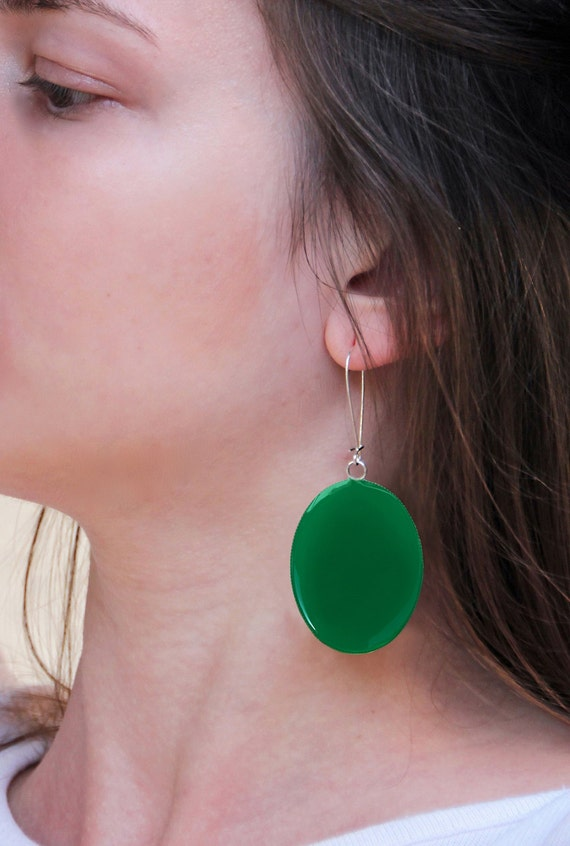 Emerald Green earrings, long earrings, green resin earrings, modern minimalist, greenery moss green earrings, big oval lightweight earrings