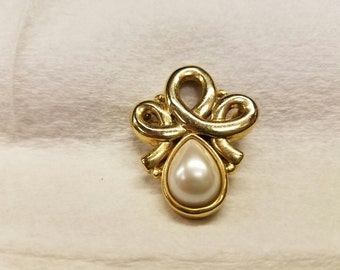 Vintage Gold Toned Loop Brooch with Faux Pearl