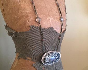 Art Nouveau Art Deco, Figural, Beaded Coin Purse Necklace