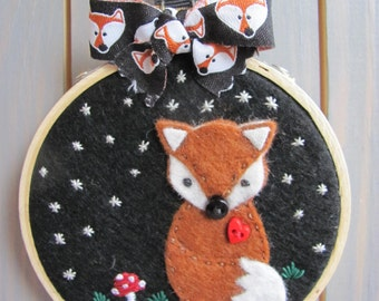 Fox Decoration - Gifts for Mum - Hand Sewn Gifts - Nature Lover - Embroidery Hoop - Fox Lover