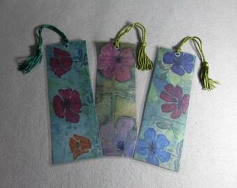 "Silk Art Bookmarks (set of 3) ""Poppies on Moss Green"""