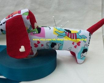 pincushions  sausage dog  dachshund  weiner  dog doxie  Christmas sewing dog gift ideas FREE SHIPPING