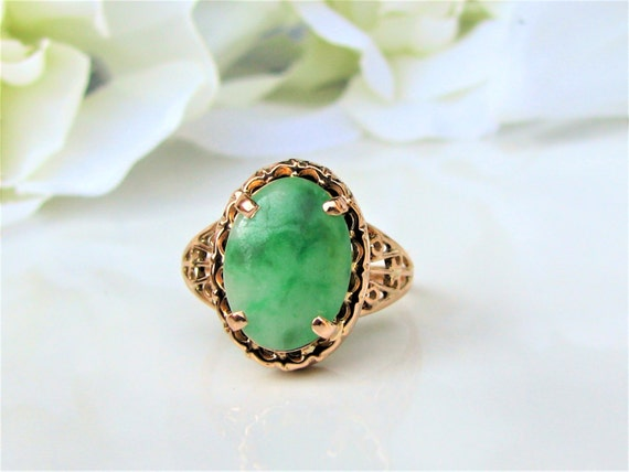 vintage oval cabochon nephrite jade ring 14k yellow gold. Black Bedroom Furniture Sets. Home Design Ideas