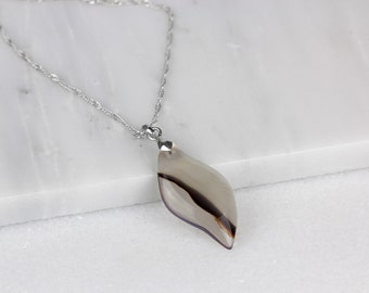 White Agate Necklace/ Agate Slice Necklace/ Smoke Agate Necklace/ Brushed Agate Necklace/ Stone Slice Necklace