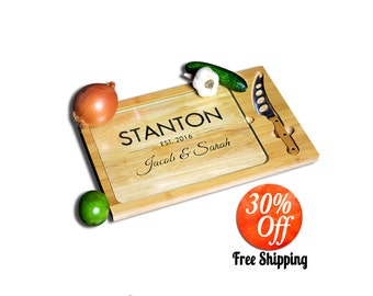 Custom cutting board.personalized cutting board.personalized cutting board.wedding cutting board.wood cutting board (Custom Cutting Board)
