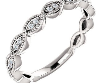 1/3 Carat G (color) VS2 (clarity) Diamond Ring in 14k Gold