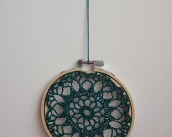 FLOWER BURST - Emerald Crochet Doily Embroidery Hoop - Emerald Crochet Suncatcher - Green Doily Embroidery Hoop - Green Crochet Suncatcher