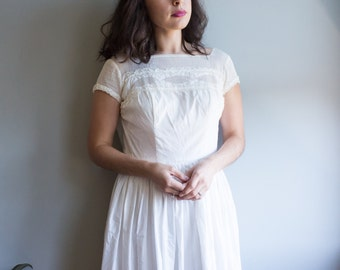 White Cotton Dress / Size Small Lace Dress / Women's Vintage Clothing