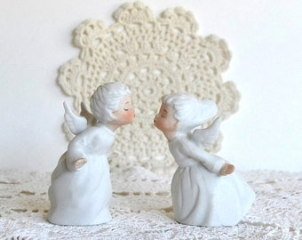 vintage kissing angel ceramic figurines kissing angels bisque figurines collectibles Japan