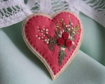 Heart Brooch, Flower Miniatures, Felt jewelry, Felt brooch, Heart embroidery, Gift for mom.Embroidered brooch, Gift for women, Gift for her