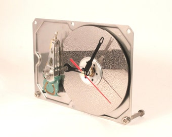 Recycled Computer Hard Drive Clock - Desk clock - Gift for Him - Geeky clock - Unique gift