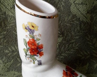 Porcelain trinket, boot ivory decorated with decals of multicolored flowers and gold. (Unbranded, c.1960).