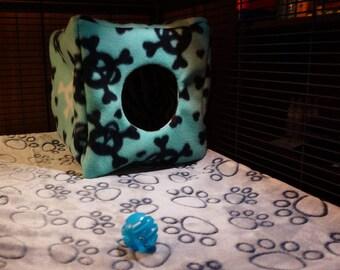 "Fleece Cuddle Cube - 23cm x 23cm (9"") - Small Pets / Rats / Ferrets / Sugar Gliders"