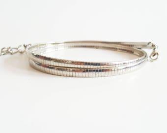 Vintage Thin Silver Metal Belt, 28 Inch Narrow Chain Belt, Chic