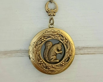 Squirrel Locket Necklace /antique style brass locket/Anniversary/Bridesmaid gift/ Wedding/Birthday/Sister/Mom/Daughter/Photo Picture/friend.