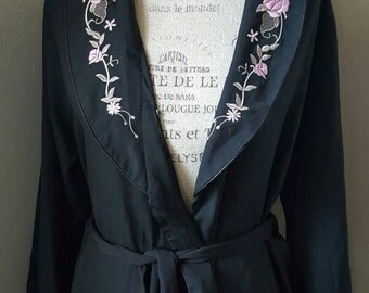 Vintage Black Silk Robe with Floral Ebroidery sz M