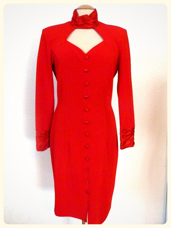 BODY-CONSCIOUS RED pencil dress, low-cut neckline