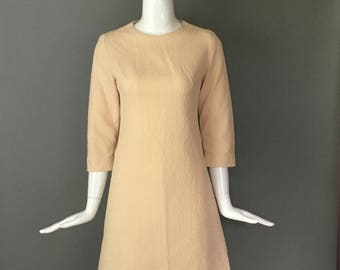 Darling Vtg 60s Pale Yellow Textured Poly Stewardess Dress 3/4 Sleeves Metal Zip Up Back M