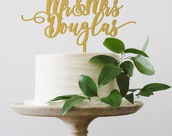 Personalized Mr and Mrs Cake Topper, Mr & Mrs Cake Topper, Mr and Mrs Last Name Cake Topper, Calligraphy Wedding Cake Topper, Wood Topper