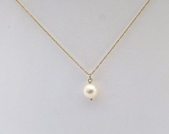 Gold Necklace, Pearl Necklace, Minimalist Necklace, Wedding Necklace, White Pearl Necklace, Womens Necklace, Necklace Gift, Jewelry Gift