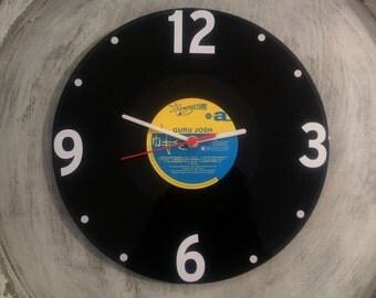 Uhr aus Schallplatte Guru LP Vinyl Deko Wall Clock Time