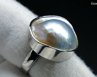 Iridescent Lustre Natural Mabe Pearl Sterling Silver Ring, US Size 7 1/4, Handmade In Greece