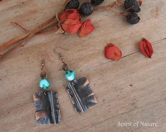 Hammered copper earrings Hammered copper jewelry Rustic copper earrings Teal and copper dangle earrings Teal boho earrings Copper dangles