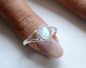 Rainbow Moonstone Sterling Silver Ring, Stackable Ring, Cabochon Rainbow Ring, 925 Silver Ring, Natural Gemstone Rings - SKU 442
