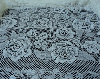 French vintage beautiful  white lace tablecloth (04413)