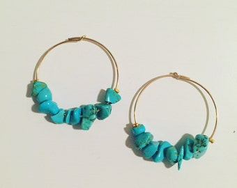 Hoop earrings plated gold with turquoise chips beads