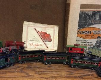 Dorfan Trains 1930s set of 9 cars, transformer, original catalog in original box