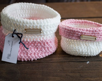 Two-Toned Knitted Baskets // Pink // White