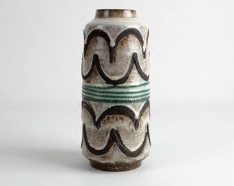 70s vintage ceramic vase cream with crusty fat lava glaze, east german pottery, Mid Century