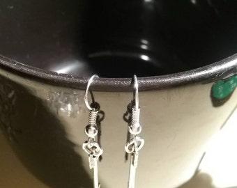 Arrow charm earrings/silver plated