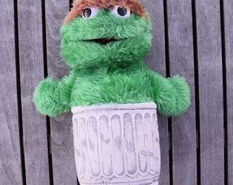 Vintage 1986 Sesame Street Oscar the Grouch in Trash Can Hand Puppet Playskool Brand Stuffed Plush Animal Toy Big Bird Elmo Ernie Grouchy